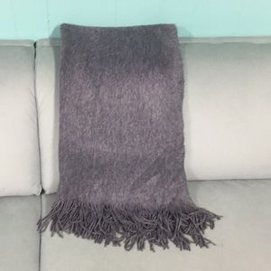 H&M CASHMERE LOOK CHARCOAL GRAY LARGE SCARF